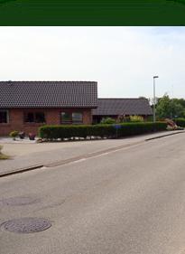 Røllikevej 19 forside / Lokesvej 1 bagside